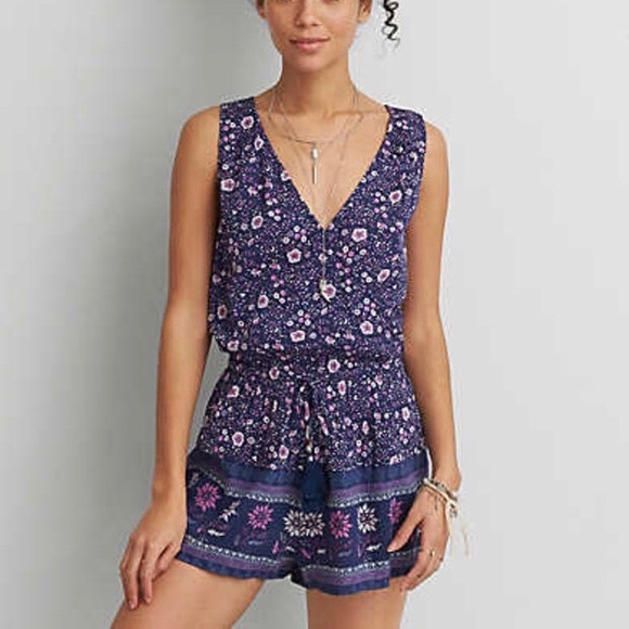 58b76f6c451 American Eagle Outfitters Pants - American Eagle floral sleeveless wrap  romper!